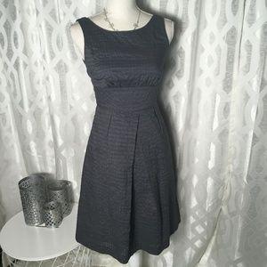 J Crew  Women Gray Size 0 Sleeveless Deco Dot Shif